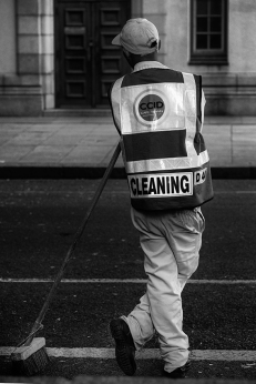 IMG_1575 Cleaning man